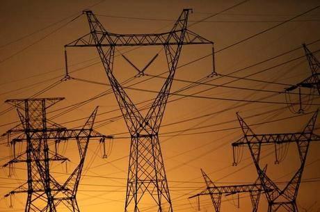Justiça do Trabalho suspende privatização da Eletrobras