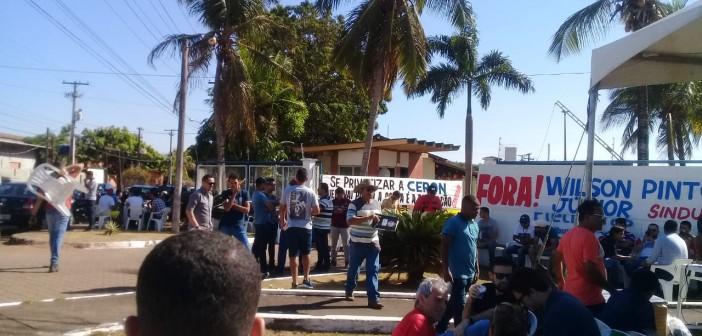 TRABALHADORES FAZEM PARALISAÇÃO DE 48 HORAS CONTRA PRIVATIZAÇÃO DA ELETROBRAS