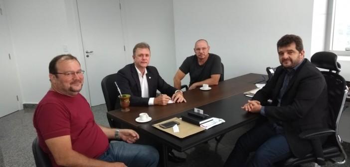 Sindur se reuniu com Deputado Luizinho Goebel em busca de apoio